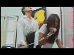 หนังxไทย นักศึกษาสาว เซ็กโฟนในตำนาน แหม่มไม่เคย โดนเพื่อนชายฉวยโอกาศเย็ดขณะเล่นเซ็กโฟน