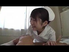 หนังโป๊นางพยาบาลญี่ปุ่นโดนคนไข้เย็ดหี เห็นคนไข้ควยตุงทนเงี่ยนไม่ไหวขึ้นขย่มตอให้ซะงั้น