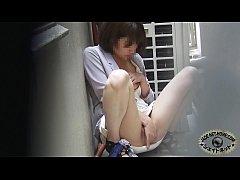 แอบถ่ายสาวญี่ปุ่นหื่นแอบช่วยตัวเองนอกสถานที่ ก็มันทนไม่ไหวแล้วเงี่ยน