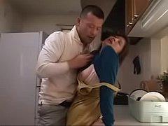 หนังxสาวใหญ่ ไอ้หนุ่มโรคจิตบุกขืนใจบังคับเย็ดหีแม่ม่ายสาวใหญ่นมโตในห้องครัว เย็ดแตกใน