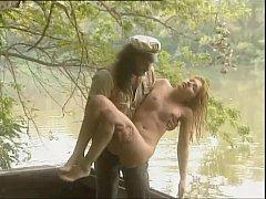 หนังโป๊ฝรั่งแนววินเทจ ตกปลาแต่ได้สาว หนุ่มนักตกปลาได้เย็ดหีสาวผมทองบนเรือเพราะตูดติดเบ็ด
