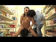 หนังโป๊ Av Full Movie แม่บ้านสาวนมโตบำบัดเซ็ก Kaho Shibuya โดนเย็ดในบ้าน ที่ร้านสะดวกซื้อ โรงแรม PPPD-471