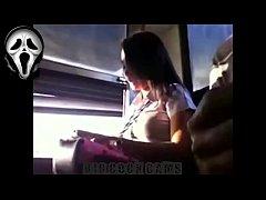 คลิปแอบถ่าย พม่าโรคจิตนั่งชักว่าวบนรถเมล์สาย8 เห็นสาวนักศึกษาไทยแล้วเงี่ยนควย