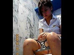 คลิปหลุดแอบถ่าย น้องเมทัล แฟนเก่า โดม ปกรณ์ ลัม นั่งฉี่ในห้องน้ำหญิงคาชุดนักศึกษา