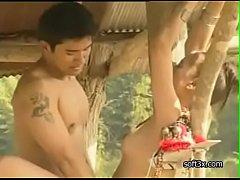 หนังอิโรติกไทยแนวซอฟคอร์ 'ธิดาดอย' เย็ดสาวชาวกะเหรี่ยงในป่านมสวยมาก