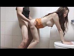 คลิปหลุดวันตรุษจีนxxx สาวหมวยใจกล้าชวนช่างประปาเย็ดกันในห้องน้ำ นมใหญ่เบอเร่อ