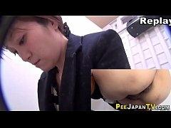 รวมคลิปซ่อนกล้องจิ๋วแอบถ่ายสาวญี่ปุ่นเกี่ยวเบ็ดหีช่วยตัวเองในห้องน้ำแต่ละคนสวยๆทั้งน๊าน