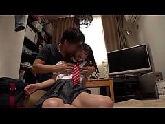 หนังโป๊แนวหลอกเย็ดหีเด็กนักเรียน เป็นน้องเพือนจ้างเพือนให้มาหาแล้วจับเย็ดคาชุดคอซอง
