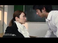 ครูสาวญี่ปุ่นโดนเย็ดหีในห้องเรียน เห็นครูเงี่ยนหีผมเลยสนองความเสียวให้